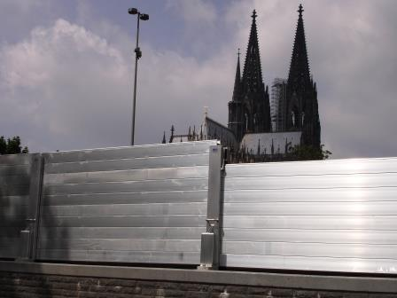 COLOGNE - Flood-defence wall  protecting Cologne Cathedral